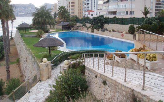 OUTSTANDING FRONTLINE SEA APARTMENT IN CALPE