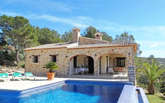 EXCEPTIONAL HOUSE WITH PRIVATE POOL IN LLIBER
