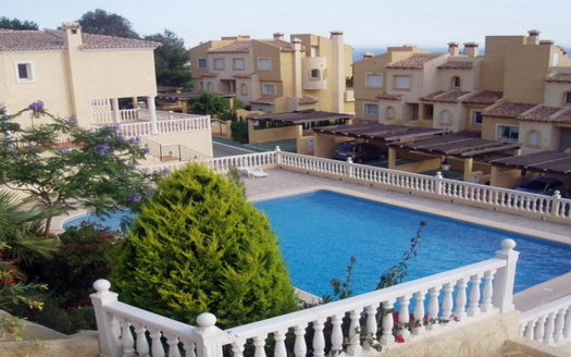 TOWNHOUSE WITH PRIVATE POOL IN ALTEA HILLS, ALTEA