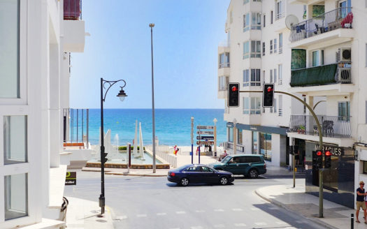 OPPORTUNITY BEACHSIDE APARTMENT IN ALTEA