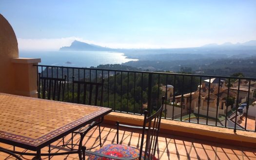FABULOUS TOWNHOUSE IN ALTEA HILLS