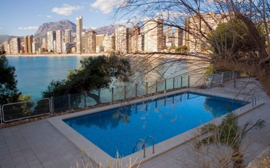 FRONT LINE APARTMENT IN BENIDORM