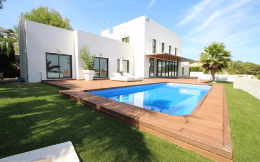 NEW VILLA WITH SEA VIEWS IN CALPE