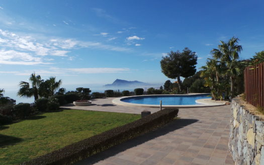 LUXURY APARTMENT IN ALTEA GOLF